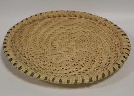 またたび工房癒里(ゆとり)制作の蕎麦ザル(約22㎝)です。 発送は2019年4月以降となります。