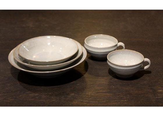 (パスタ皿 小・中・大 各1枚 スープカップ×2ヶ) ※定価13392円(税込)