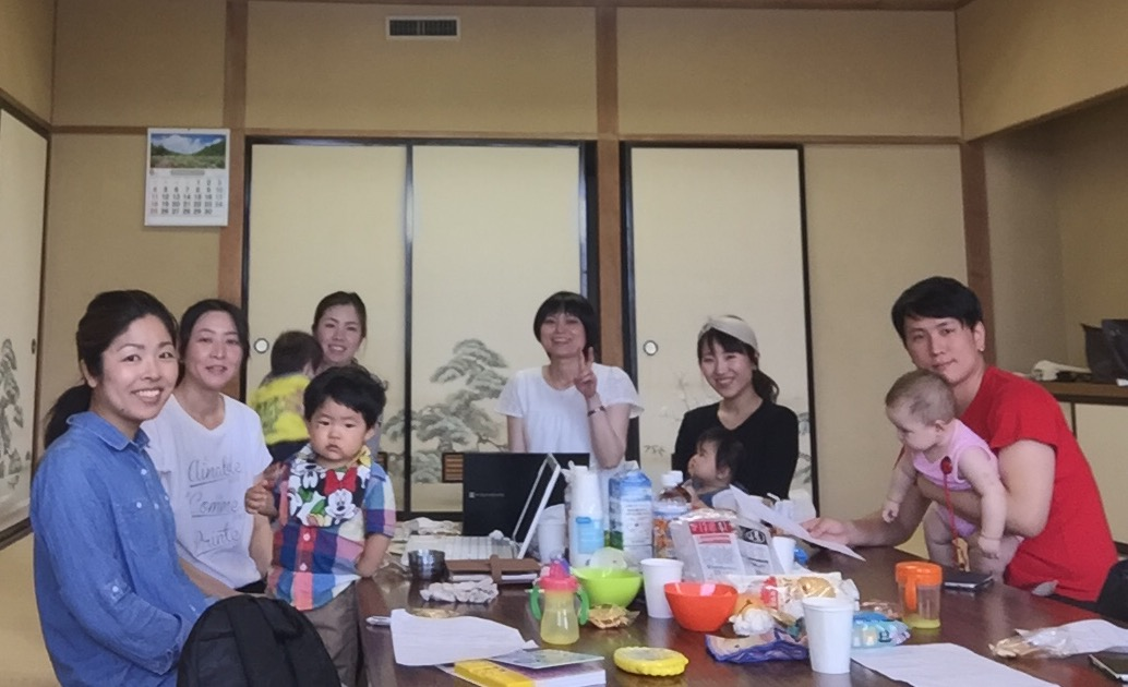 スタッフミーティング with 子どもたち。